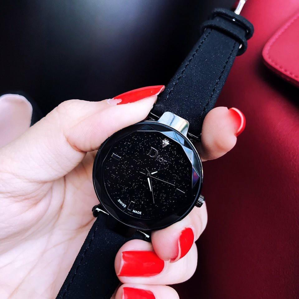 Đồng hồ nữ Dior nhỏ gọn