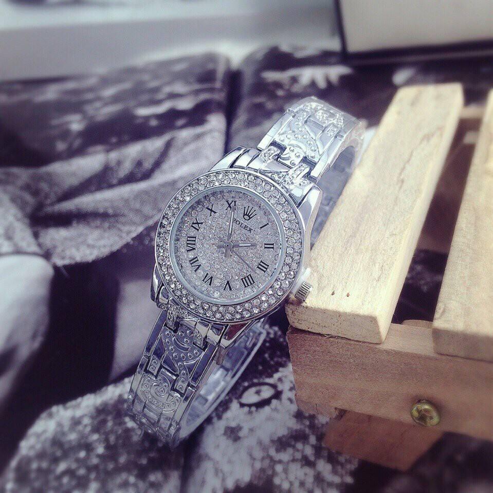Đồng hồ nữ đính đá sang trọng