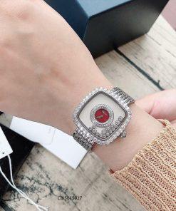 Đồng hồ đeo tay nữ Chopard dòng Happy Diamond mặt vuông đỏ replica 1:1