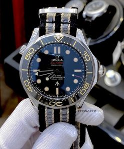 Đồng hồ Nam Omega Seamaster Diver 300m máy cơ